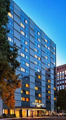 stellenangebot night audit in d sseldorf bei courtyard by marriott d sseldorf seestern. Black Bedroom Furniture Sets. Home Design Ideas